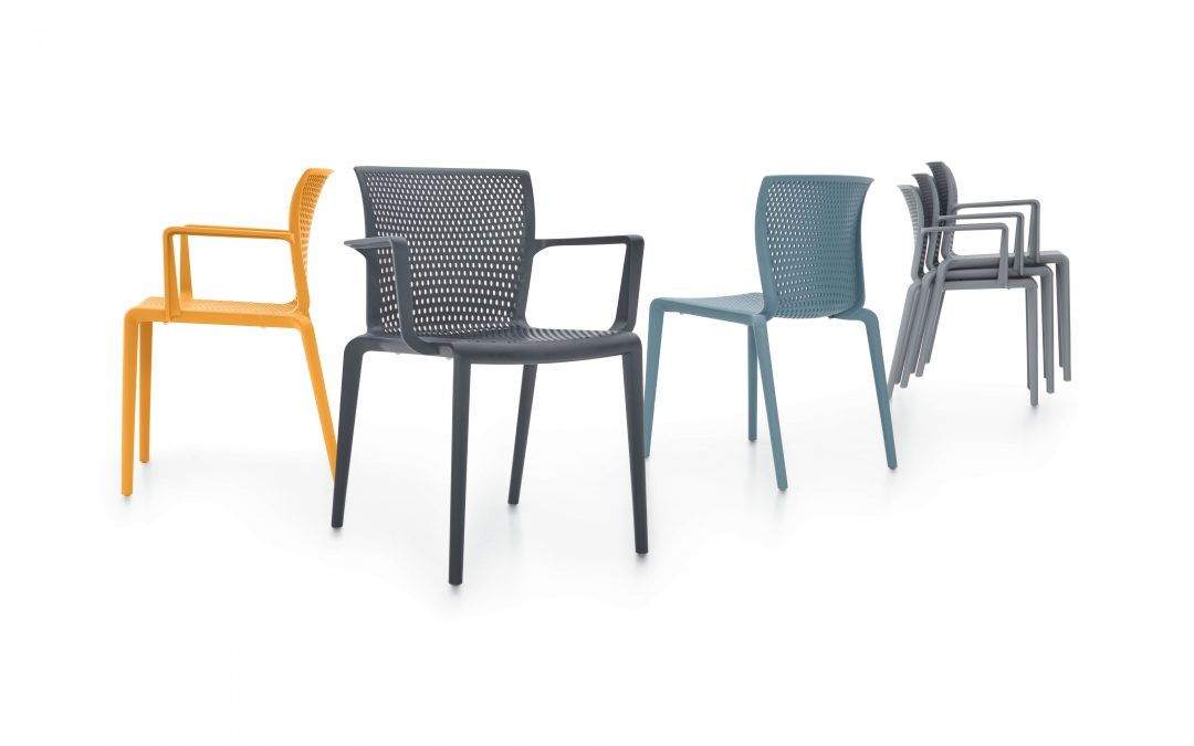 IDClose Up: Global Furniture Group